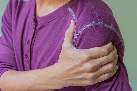 Photo pour young man with shoulder pain - image libre de droit