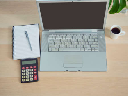 Photo pour Home office workspace mockup with laptop on table at home - image libre de droit