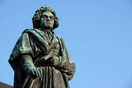 Photo pour Statue of Ludwig van Beethoven in Bonn, Germany with blue sky in background - image libre de droit