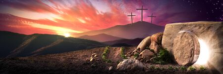 Photo pour Empty Tomb Of Jesus Christ At Sunrise With Three Crosses In The Distance - Resurrection Concept - image libre de droit
