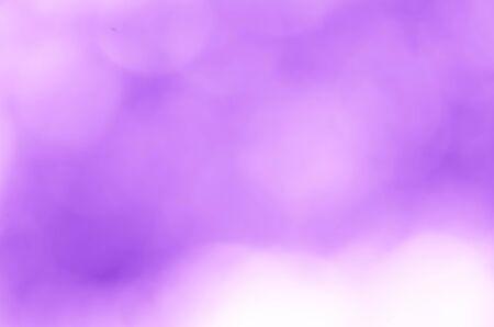Photo pour Violet light bokeh blur nature background - image libre de droit