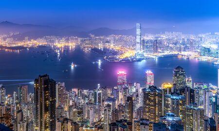 Photo pour Aerial view of Hong Kong architecture landscape at night - image libre de droit