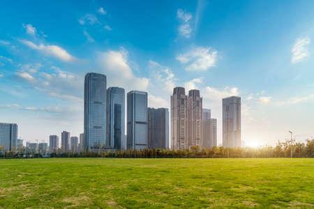 Photo pour Urban modern architectural landscape - image libre de droit