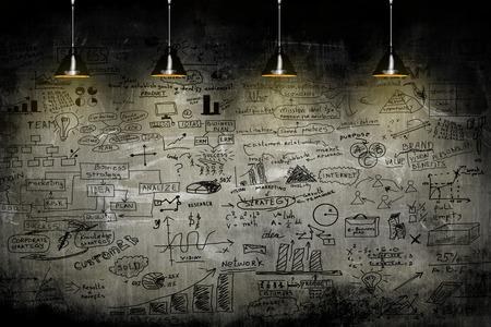 Foto de business strategy on the wall with lamp - Imagen libre de derechos