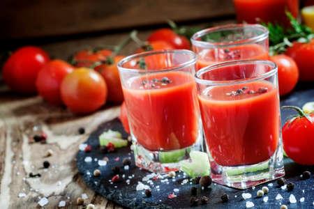 Photo pour Kamikaze Cocktail with tomato juice and spices, selective focus - image libre de droit
