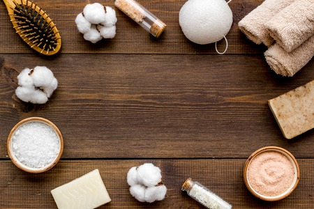 Photo pour Organic cosmetics and eco-friendly materials for homemade natural spa and bath on wooden background top view mock up - image libre de droit
