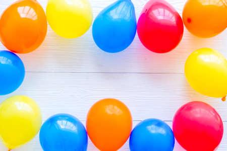 Photo pour Frame of ballons - celebration concept - from above copy space - image libre de droit