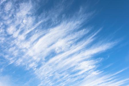 Photo pour High cirrus clouds with blue sky background - image libre de droit