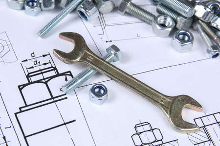 Photo pour Wrench, bolts and nuts. Science, mechanics and mechanical engineering - image libre de droit