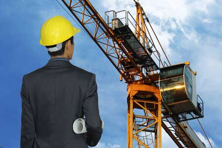 Photo pour Engineer inspected the work in the construction site. - image libre de droit