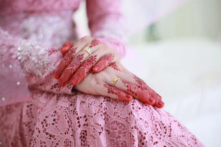 Foto de Bride hand with henna and ring. muslim wedding - Imagen libre de derechos
