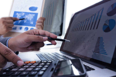 There are common errors in cash flow forecast such as, for example, the erroneous definition of cash flows.
