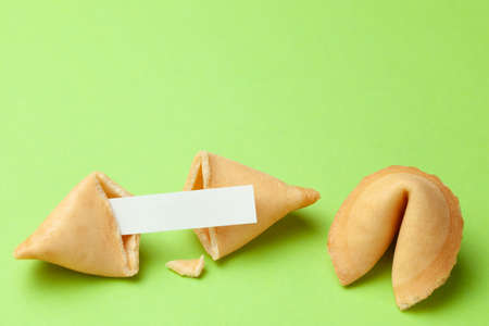 Photo pour Chinese fortune cookies. Cookies with empty blank inside for prediction words. Green background Copy space for text - image libre de droit