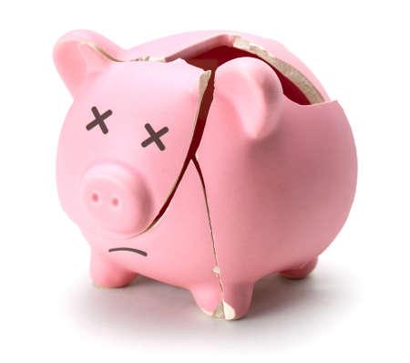 Photo pour Broken piggy bank isolated on white background - image libre de droit