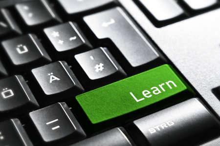 Photo pour Learn, Keyboard button - image libre de droit