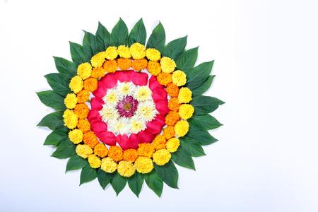Photo pour Marigold Flower rangoli Design for Diwali Festival , Indian Festival flower decoration - image libre de droit
