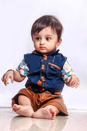 Photo pour Cute Indian Baby boy smiling - image libre de droit