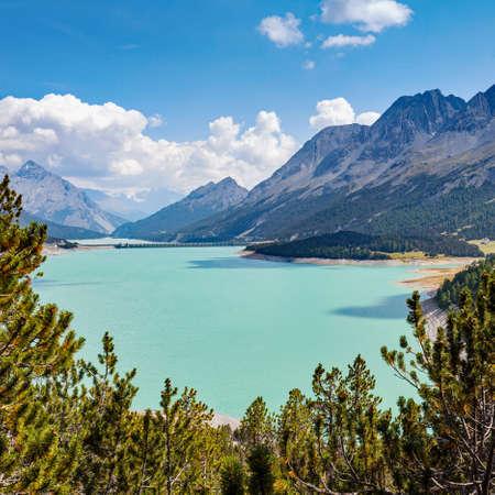 Photo pour dam of Cancano - Bormio (IT) - image libre de droit