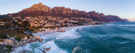 Foto de Aerial view on Camps bay while sunset - Imagen libre de derechos