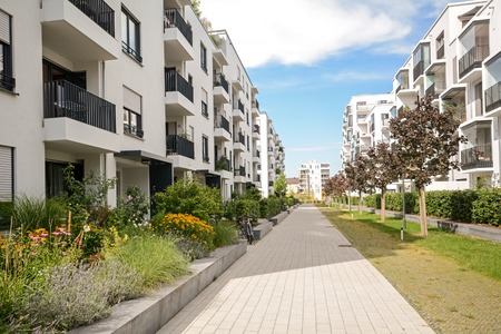 Foto de Modern housing in the city - Imagen libre de derechos
