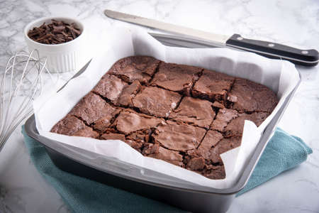 Photo pour chocolate brownie in steel pan - image libre de droit