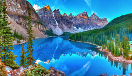 Moraine lake sunrise in Banff National Park