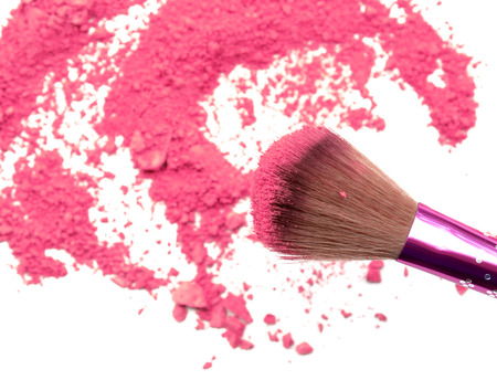 Foto de Professional make-up brush on rainbow crushed eyeshadow - Imagen libre de derechos