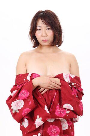 Akiyoko121000012