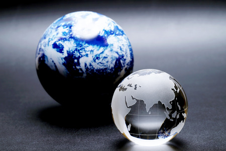 Photo pour glass globe ball on a black background, Abstract photo with glass and reflection. - image libre de droit