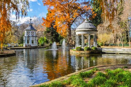 Photo pour Chinescos pond, Princes garden, Aranjuez, Madrid - image libre de droit