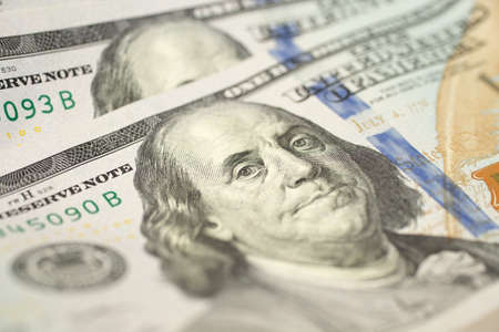 Photo pour A close up background texture of new one hundred us dollar bill - image libre de droit