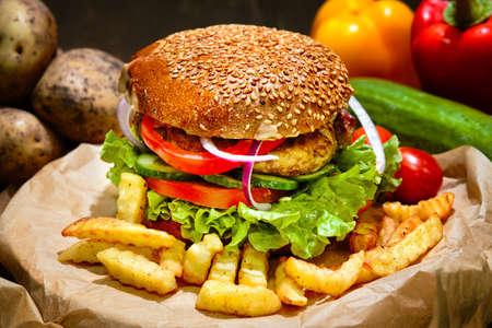 Photo pour Big american burger with french fries. Fast food - image libre de droit