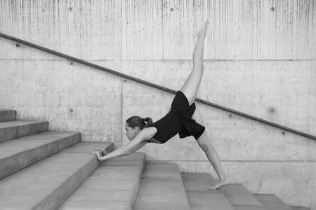 Foto de Young athletic girl - Imagen libre de derechos