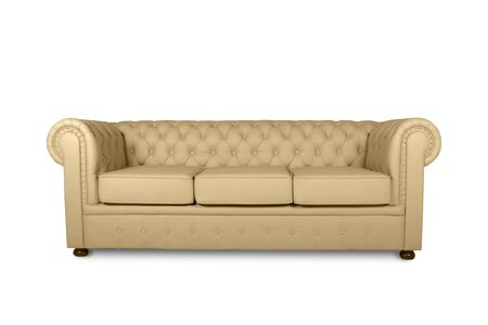 Photo pour leather chester beige sofa isolated on white - image libre de droit
