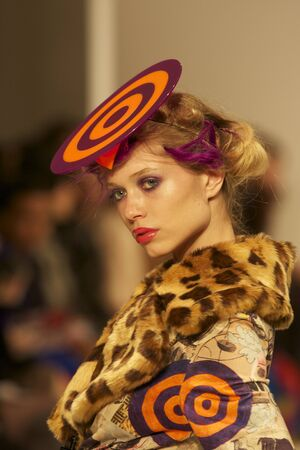 London Fashion Week  Dans la Vie  , Runaway Catwalk