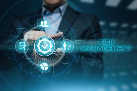 Photo pour Risk Management Strategy Plan Finance Investment Internet Business Technology Concept. - image libre de droit