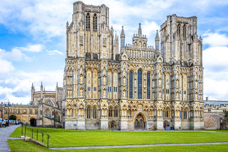 Photo pour View of Wells Cathedral is in Wells, Somerset, England, UK - image libre de droit