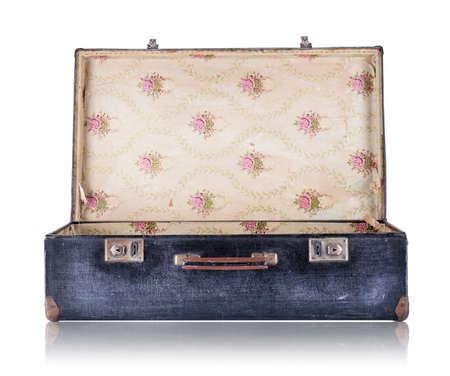Photo pour Open black vintage suitcase isolated on white background - image libre de droit