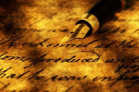 Photo pour Fountain pen on old letter - image libre de droit