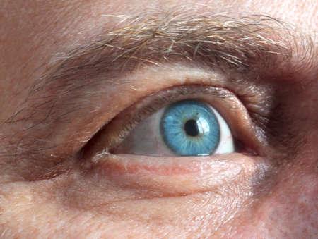 men's blue eye