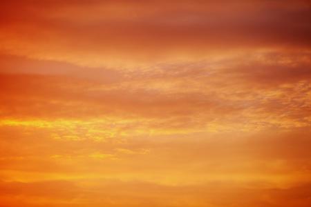 Photo pour fiery orange red sunset sky background - image libre de droit