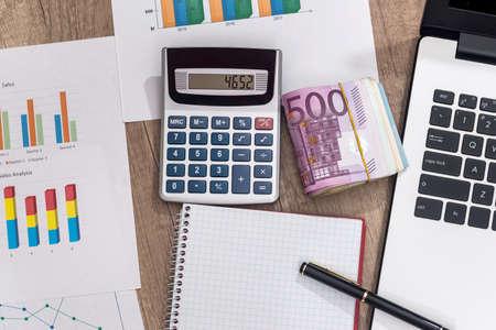 Foto de business concept - euro, laptop, calculator and notepad - Imagen libre de derechos
