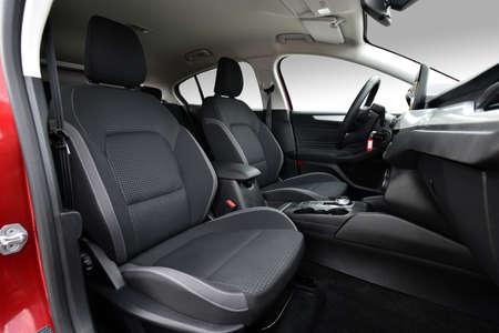 Photo pour Front seats of a modern passenger car - image libre de droit