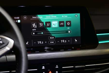Photo pour Car air conditioning panel on the luxury car console. Car climate control. - image libre de droit