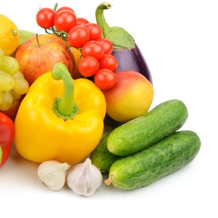 Foto de fruits and vegetables isolated on white background - Imagen libre de derechos