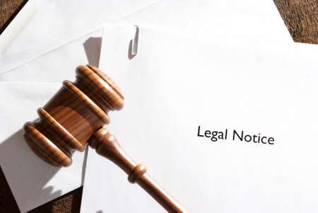 Photo pour A served envelope of legal notice papers. - image libre de droit