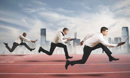 Foto de Competition in business concept with running businesspeople - Imagen libre de derechos