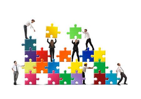 Foto de Team of businesspeople build a new company - Imagen libre de derechos