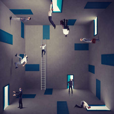 Foto de Concept of confusion and right strategy of a businessman - Imagen libre de derechos
