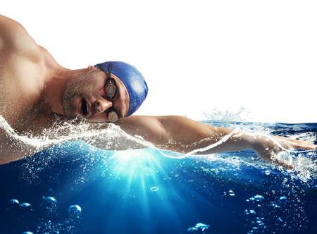 Photo pour Swimmer swims in the sea in sunshine - image libre de droit